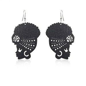Jewelry - She's A Diva Earrings